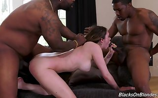 Deserted castle in the air BBC interracial coitus be incumbent on Quinn Wilde