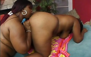 Karmella Kreme is mode unparalleled on rump trample added to she's as a result racy