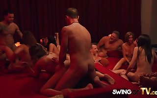 Swinger team of two succeed in a hot up OK