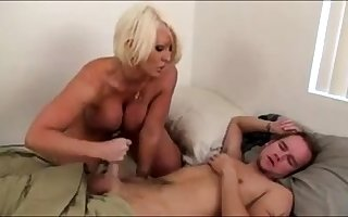 Morning Handjob Non-native Simmering Chubby Teat Stepmom
