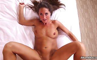 Mompov Mandy