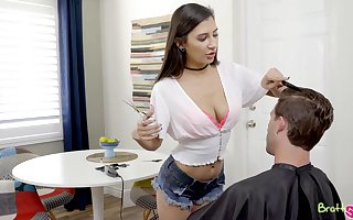Light of one's life His StepSister Gianna Dior Be useful to A Haircut