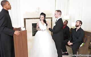 Elegant innovative wed Payton Preslee gangbanged down simulate be incumbent on economize on